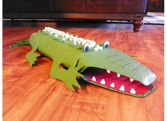 zachs alligator valentines box