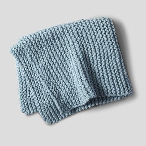 This is a free beginner knitting pattern using a super ...