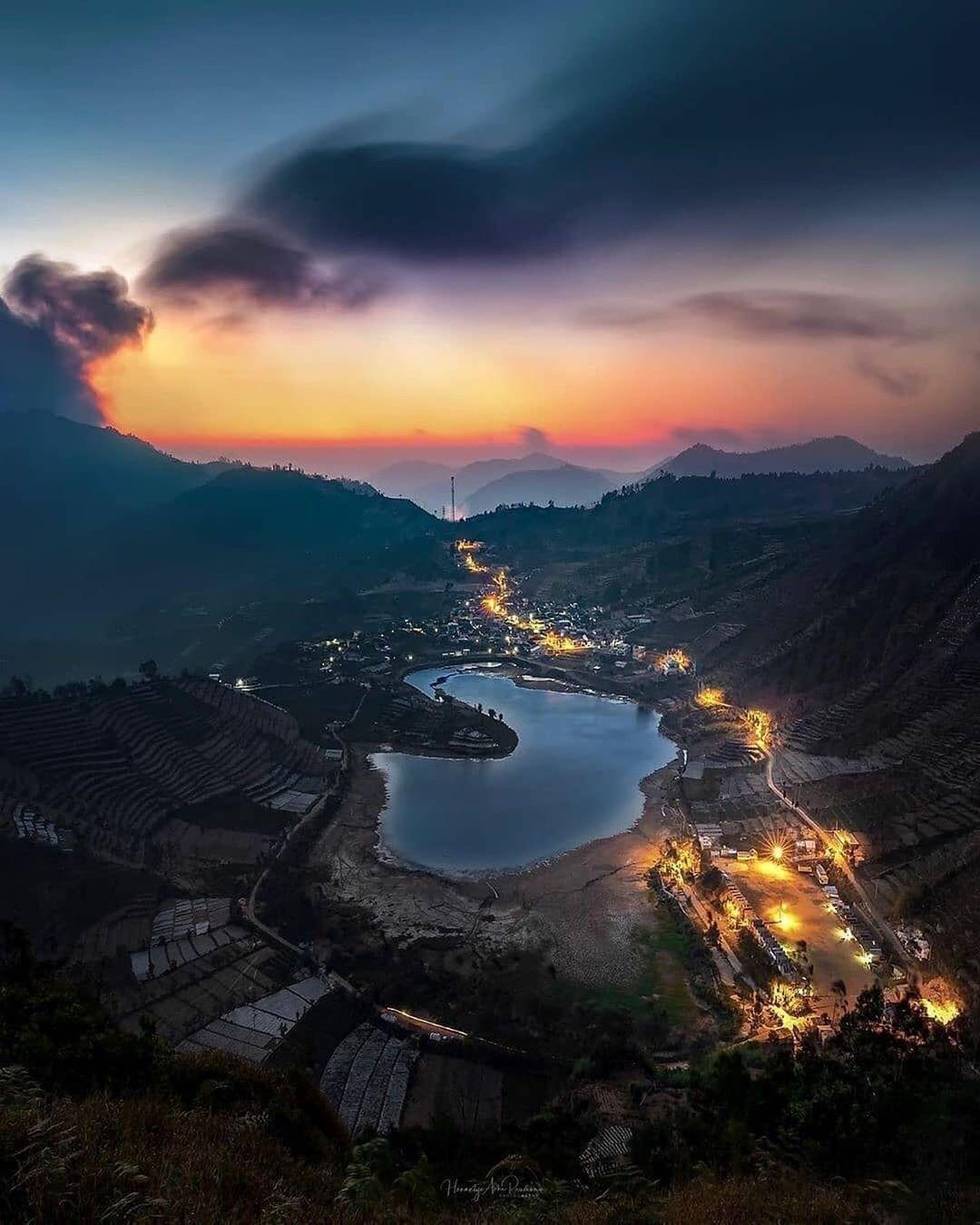 Pemandangan Berbagai Cahaya Lampu Desa Di Sikunir Image From Hanantyo Di 2020 Pemandangan Pedesaan Bercahaya