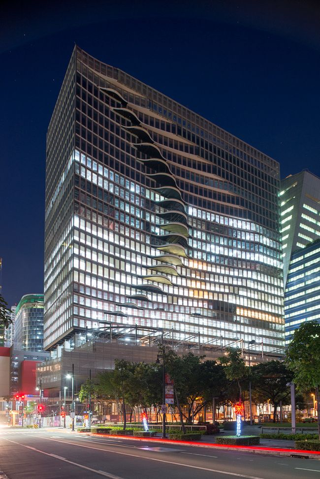 Peachy Manilas New Wavy Mixed Use Tower Opens In The Citys Download Free Architecture Designs Ferenbritishbridgeorg