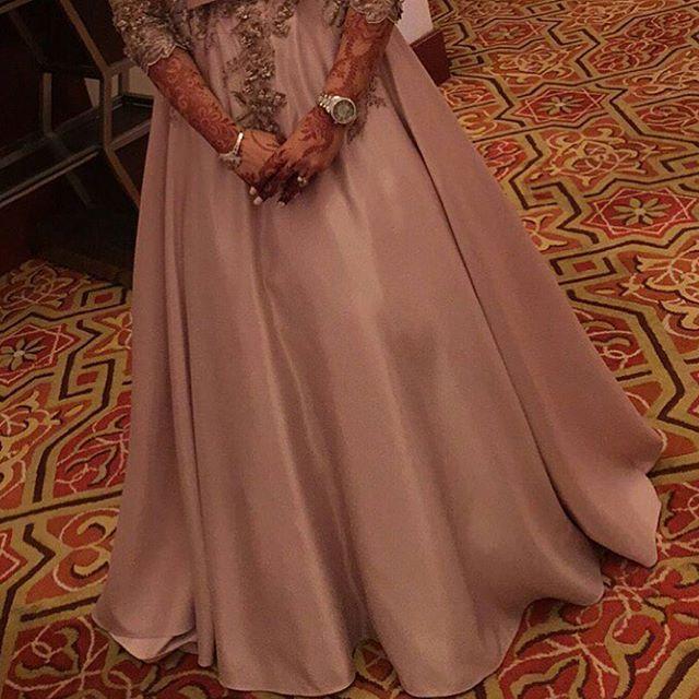 Instagram Photo By نقش Henna Artist حناء اميرة May 14 2016 At 10 42pm Utc In 2021 Henna Henna Artist Instagram Posts