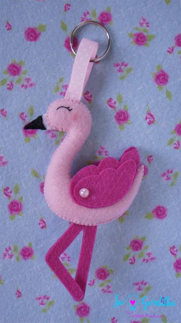 cb6abb12bfe38 Eu Amo Artesanato  Flamingo com molde Crochet Flamingo, Flamingo Pattern,  Flamingo Art,
