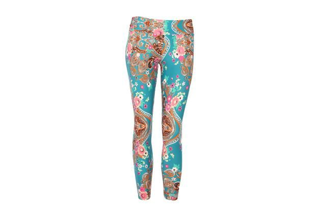 3cb6f01130cc The Many Options You Have for Colorful and Patterned Yoga Leggings ...