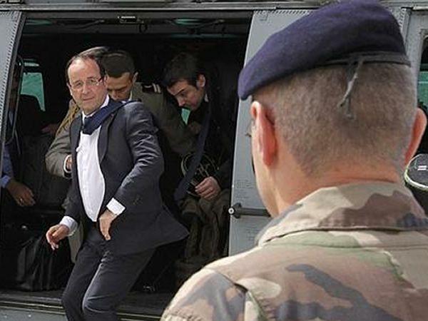 Hollande realizó una visita sorpresa a sus tropas en Afganistán