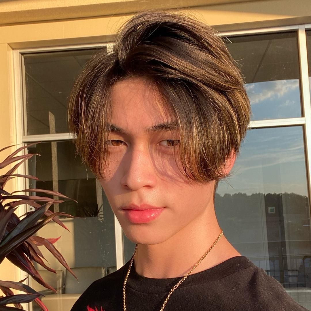 Oliver Moy Live On Tiktok Cute Boys Images Photography Poses For Men Cute Selfie Ideas