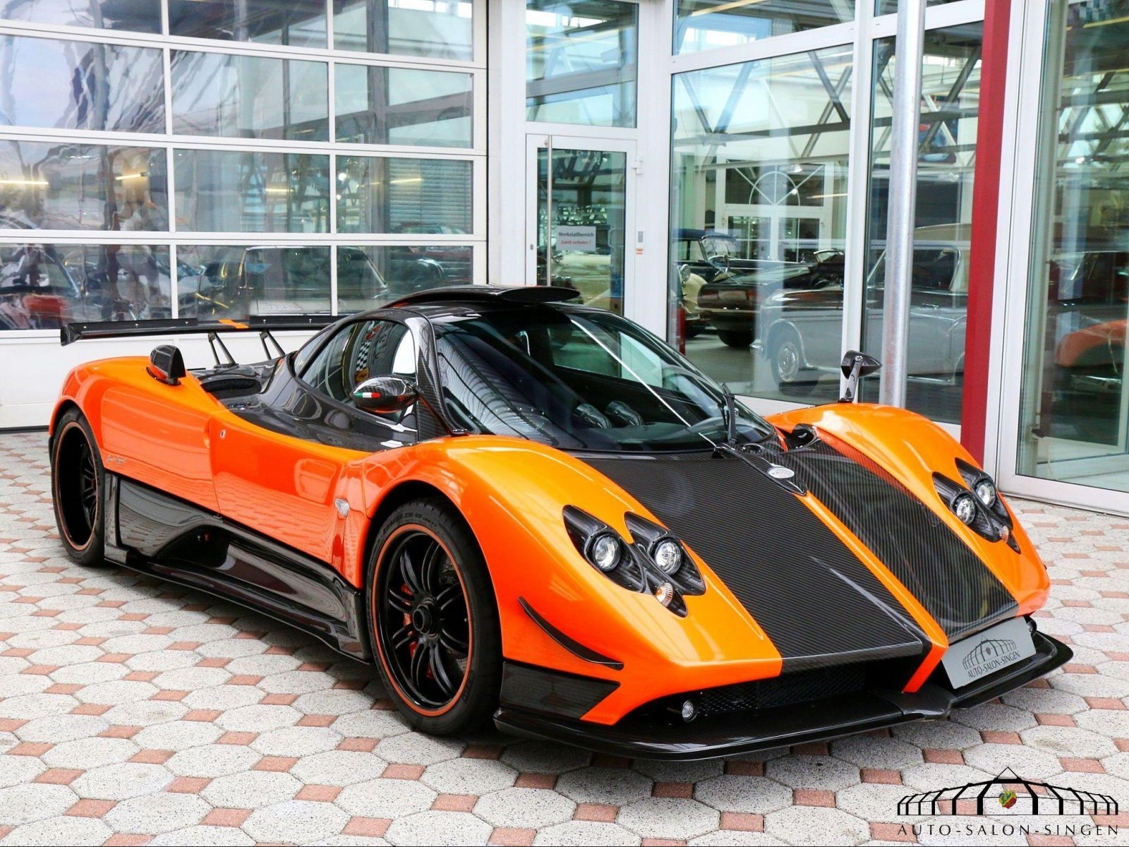 pagani zonda cinque coup auto salon singen cars. Black Bedroom Furniture Sets. Home Design Ideas