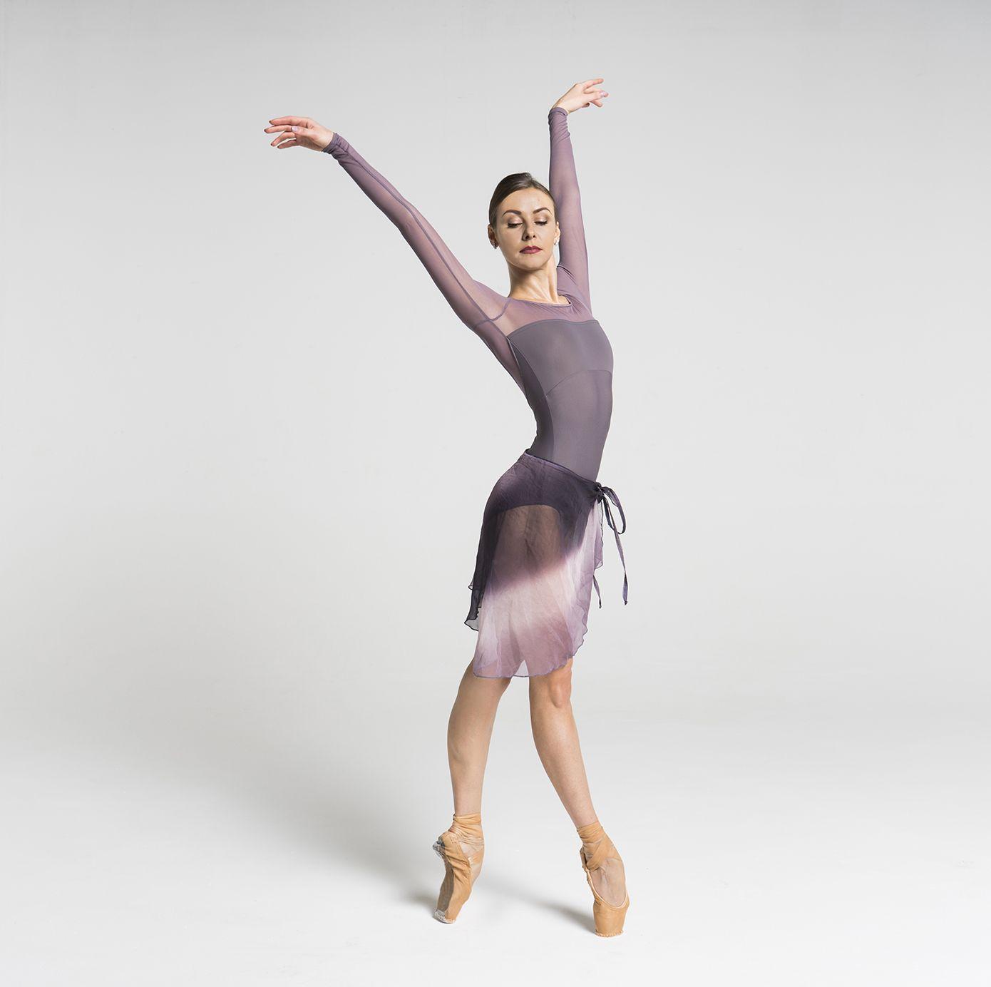 Our dream leotard by the stunning Kristina Kretova !!!💎💎💎 Photo by Alisa Aslanova #balletmaniacs #balletwear #dreamleotards #balletstars #bolshoiballet #russianballerina #balletdancers #fashion #dancewear