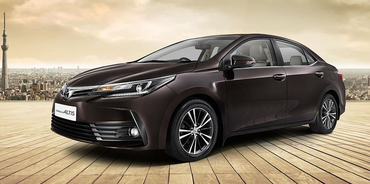 2017 Toyota Corolla Altis launched in India; Price starts