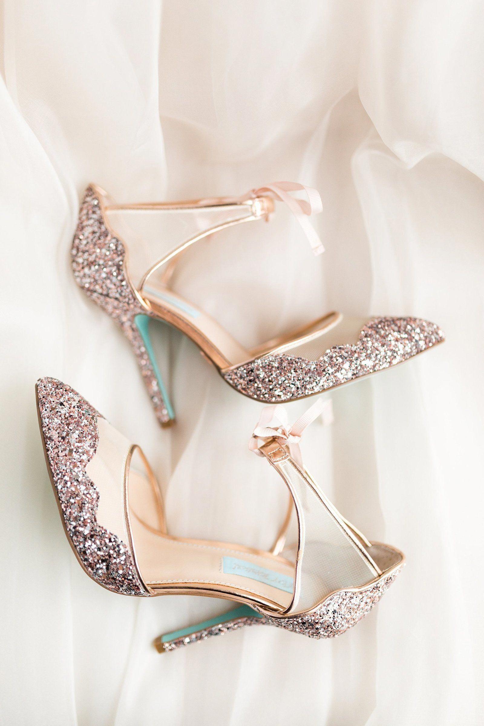 Hoka Women S Shoes Review Keenwomensshoesdiscount Discountlifestridewomensshoes Wedding Shoes Brides Heels Bohemian Wedding Shoes Disney Wedding Shoes