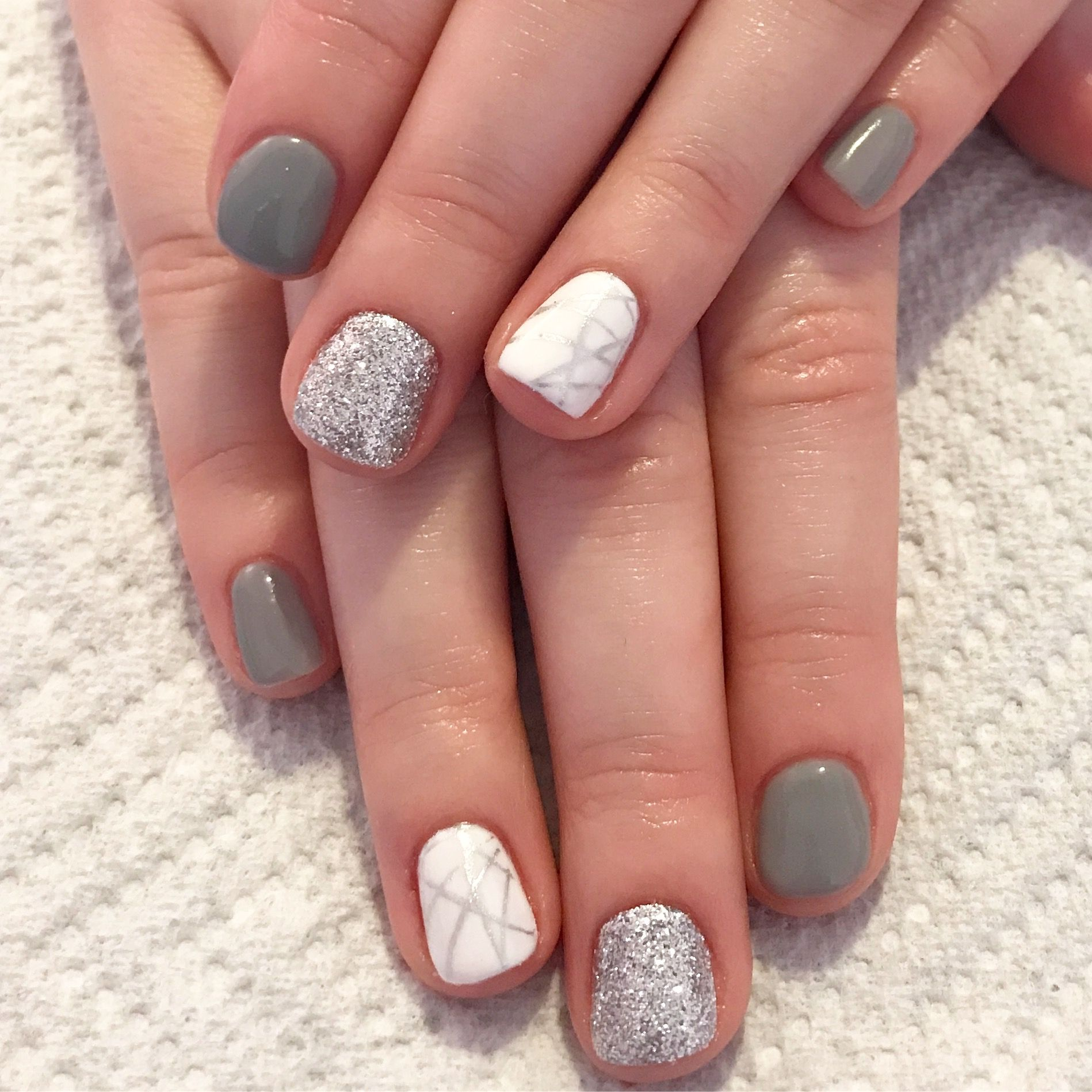 Natural Gel Nails With Glitter