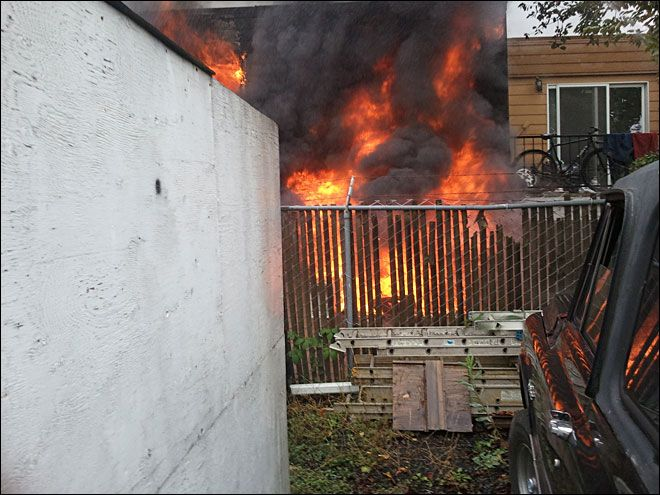 Woman dies in NE Portland apartment fire
