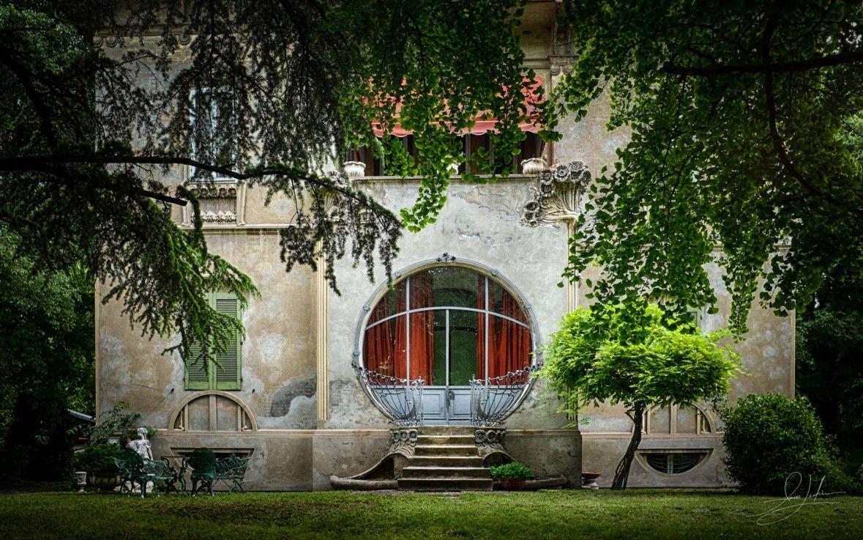 Architecture 0522 Ferrara Art Deco House Round Window Art Deco Homes