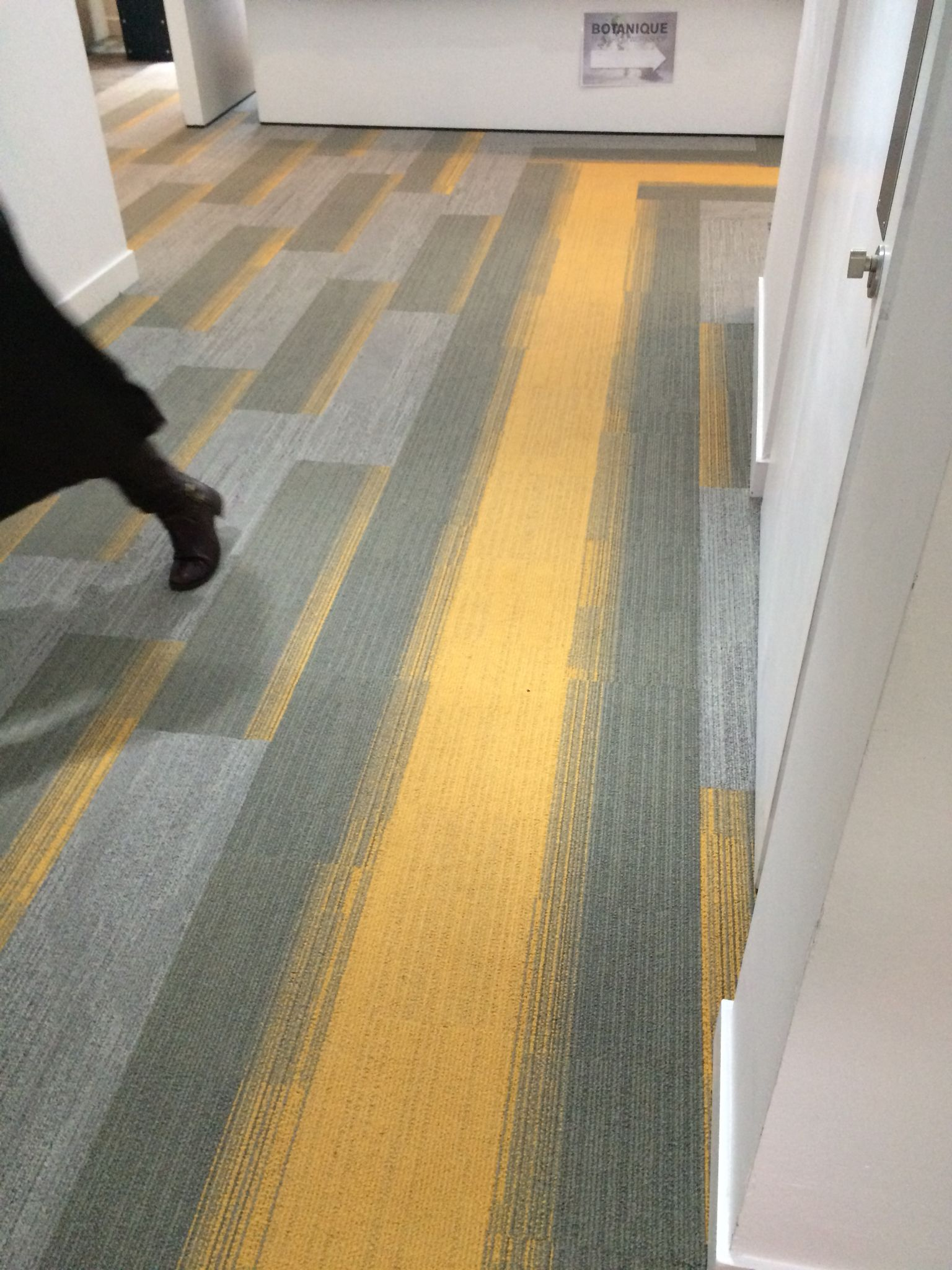 Online / Offline | Interface carpet tiles | Pinterest | Office ...