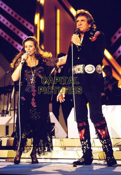 Johnny Cash Wife June Carter Cashve Stage Singing Concert