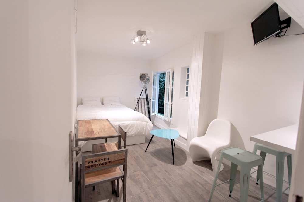 Magnifique Studio De 23m Dans Le Beau Quartier De Montmartre Logement Etudiant 75018 Paris Deco Studio Logement Ecole Design