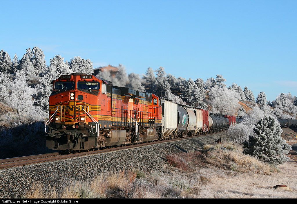 RailPictures.Net Photo: BNSF 4110 BNSF Railway GE C44-9W (Dash 9-44CW) at Colorado Springs, Colorado by John Shine