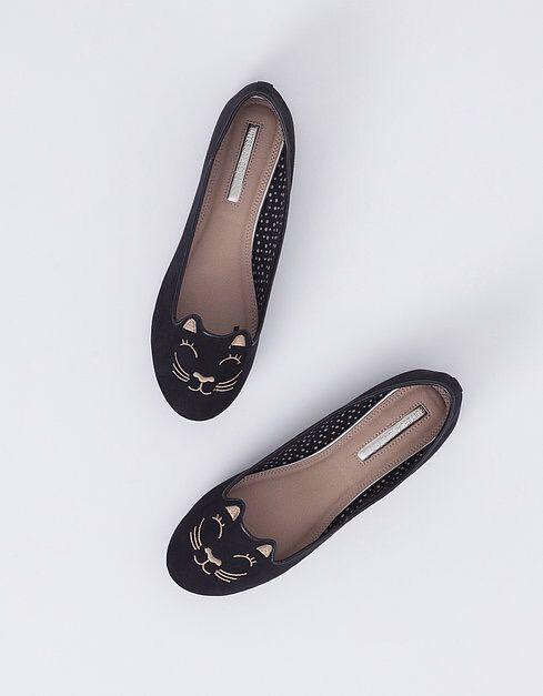Slippers de Blanco en http://decharcoencharco.com/2015/09/28/mi-lista-de-la-compra-para-esta-temporada-otono-invierno-todas-las-tendencias/