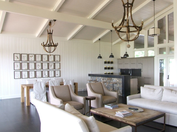 Attractive Suzie: C Designs   Chic Coastal Living Room Design With Cathedral  Ceiling,wood Chandeliers