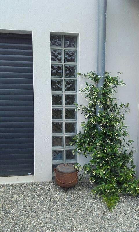 colonne de brique de verre sur mur ext rieur pour pool. Black Bedroom Furniture Sets. Home Design Ideas