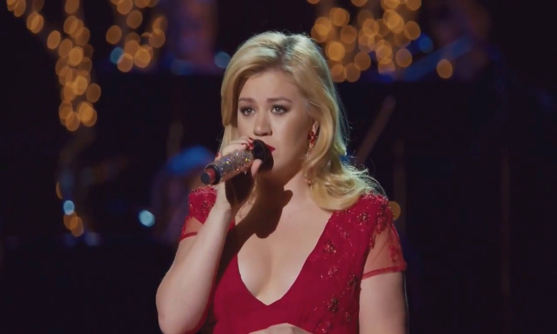 Kelly Clarkson - Have Yourself A Merry Little Christmas (Cautionary ...