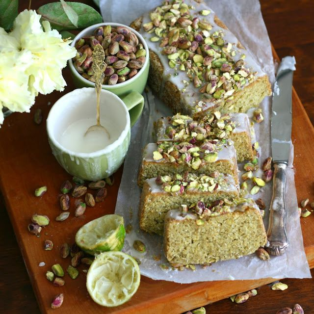 Maikki the sake of convenience: Kookoksinen lime-avokadokakku | Lime, avocado, and coconut loaf cake. Vegan.