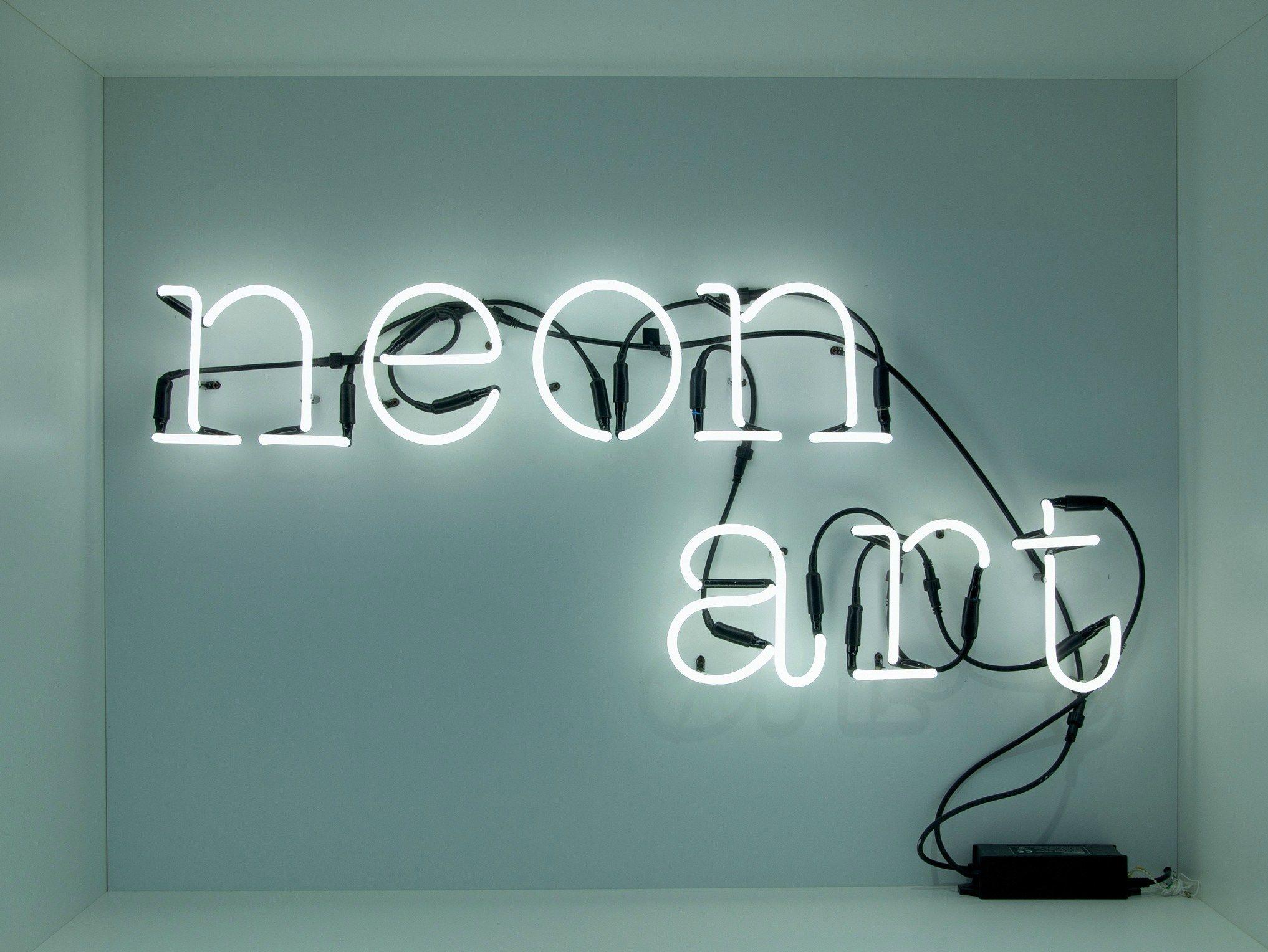 Plafoniere Al Neon Da Parete : Lettera luminosa da parete neon art by seletti design selab