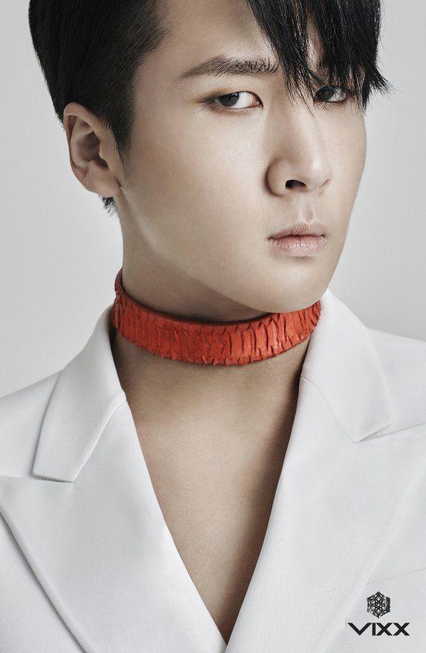 Ravi 라비    Kim Wonshik 김원식    VIXX    1993    183cm    Main Rapper    Lead Dancer