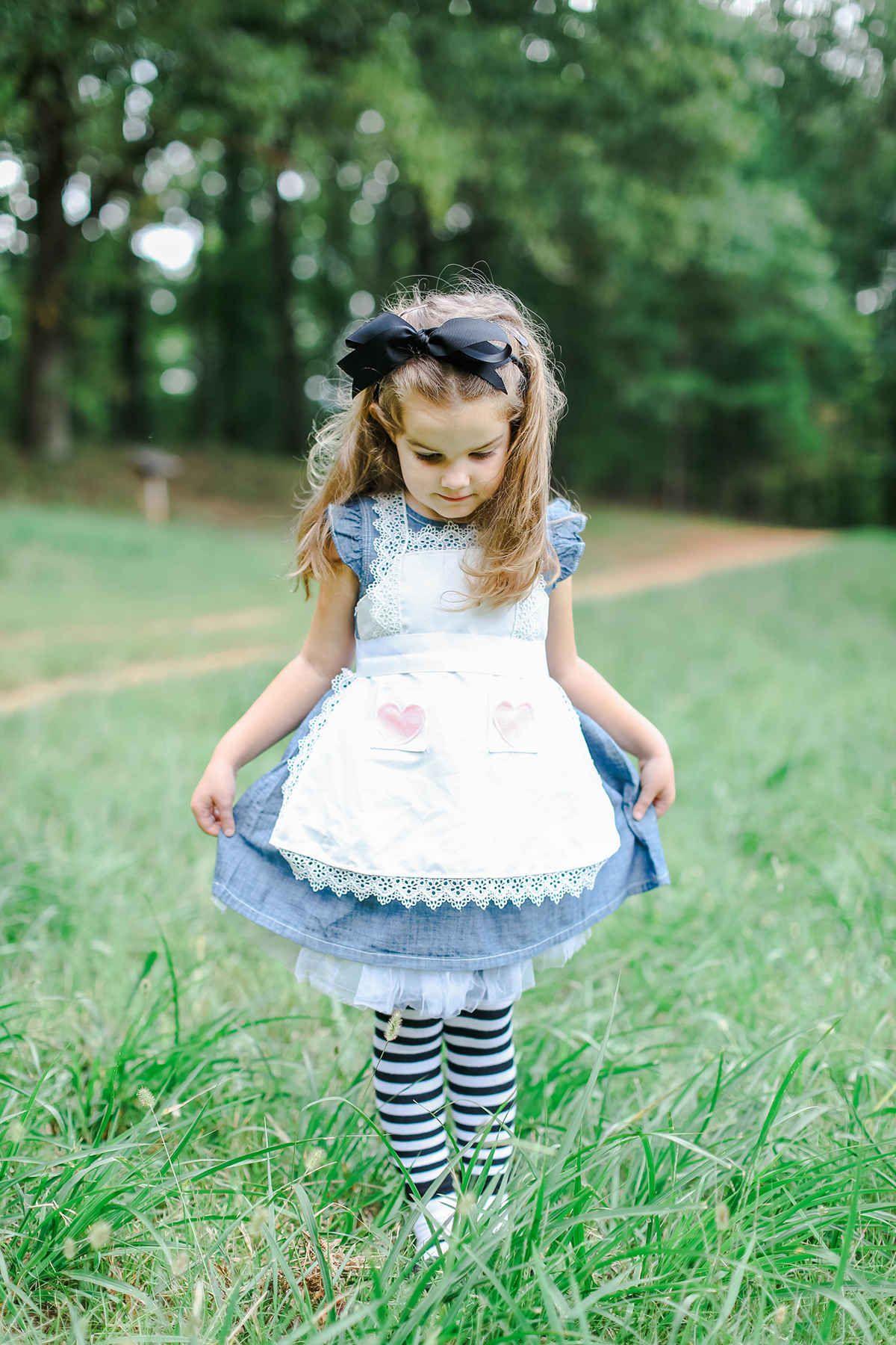 vivi in wonderland Alice Birthdays and Wonderland party