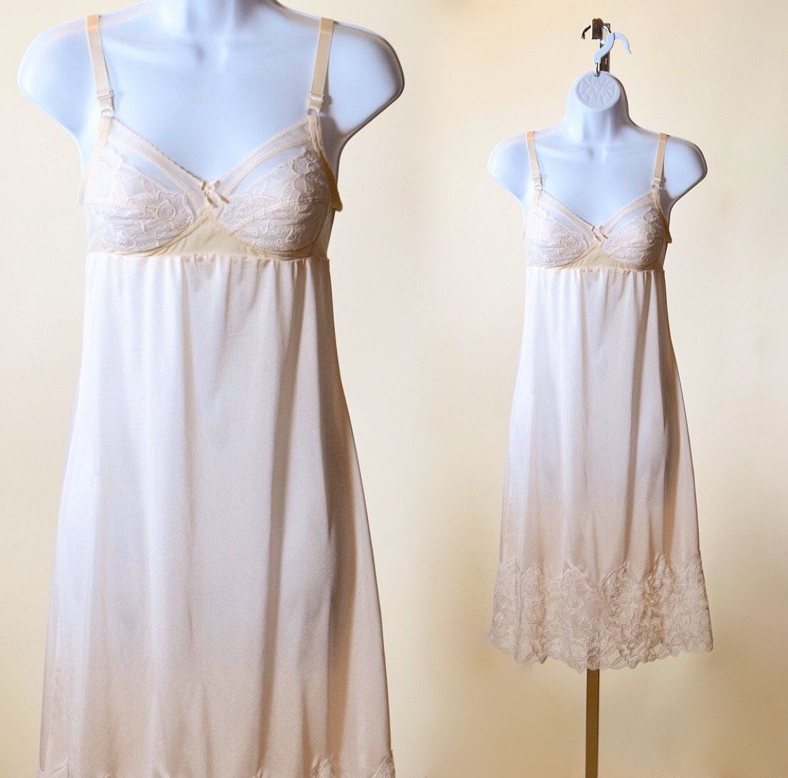 c83305e235a56 Classic sexy slip dress with built in bra! Authentic vintage, WaCoal brand  Nylon lace Best fits women's XS ( PLEASE CHECK MEASUREMENTS FOR MORE  ACCURACY ...