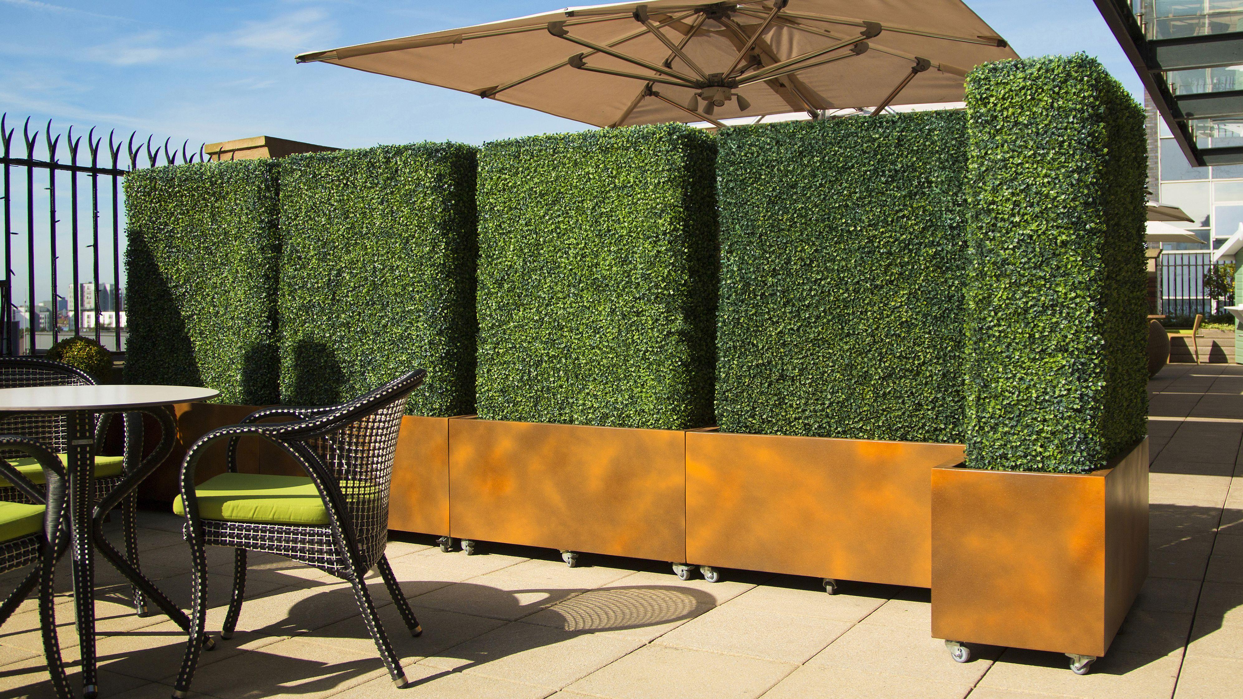 Artificial Hedging Corten Effect Grp Planters Casters Hotel Roof Top Plastic