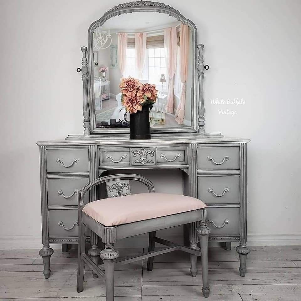 Pin by martie blignaut on chalk paint furniture | Gray ...