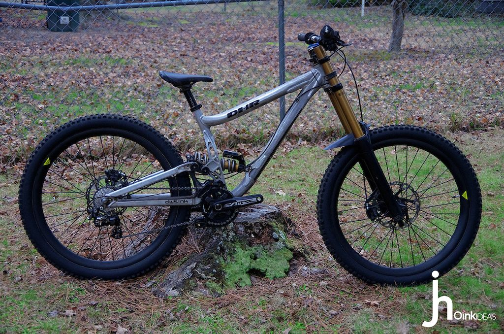 Sexiest DH bike thread. Don't post your bike. Rules on first page. - Page 2755 - Pinkbike Forum