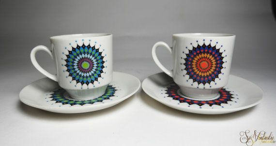 Groovy Winterling Schwarzenbach 2x cup and saucer sets featuring rare bright retro starburst patterns. Fancy vintage german bavarian porcelain tea cups / coffee cups and saucers -4 pieces- in undamaged condition. On offer by SoVintastic on Etsy;-)