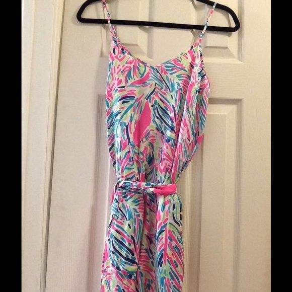 NWT LILLY PULITZER PALM READER DEANNA ROMPER SZ XS NWT Lilly Pulitzer Deanna Romper in Palm Reader size extra small (cheaper crossposted) Lilly Pulitzer Shorts