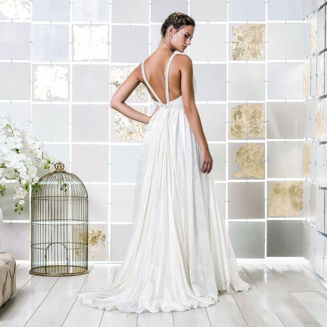 Gio Rodrigues Tara Wedding Dress Sensual Flowing Drawn Silk Organza Aplication Beads Pleats Engaged
