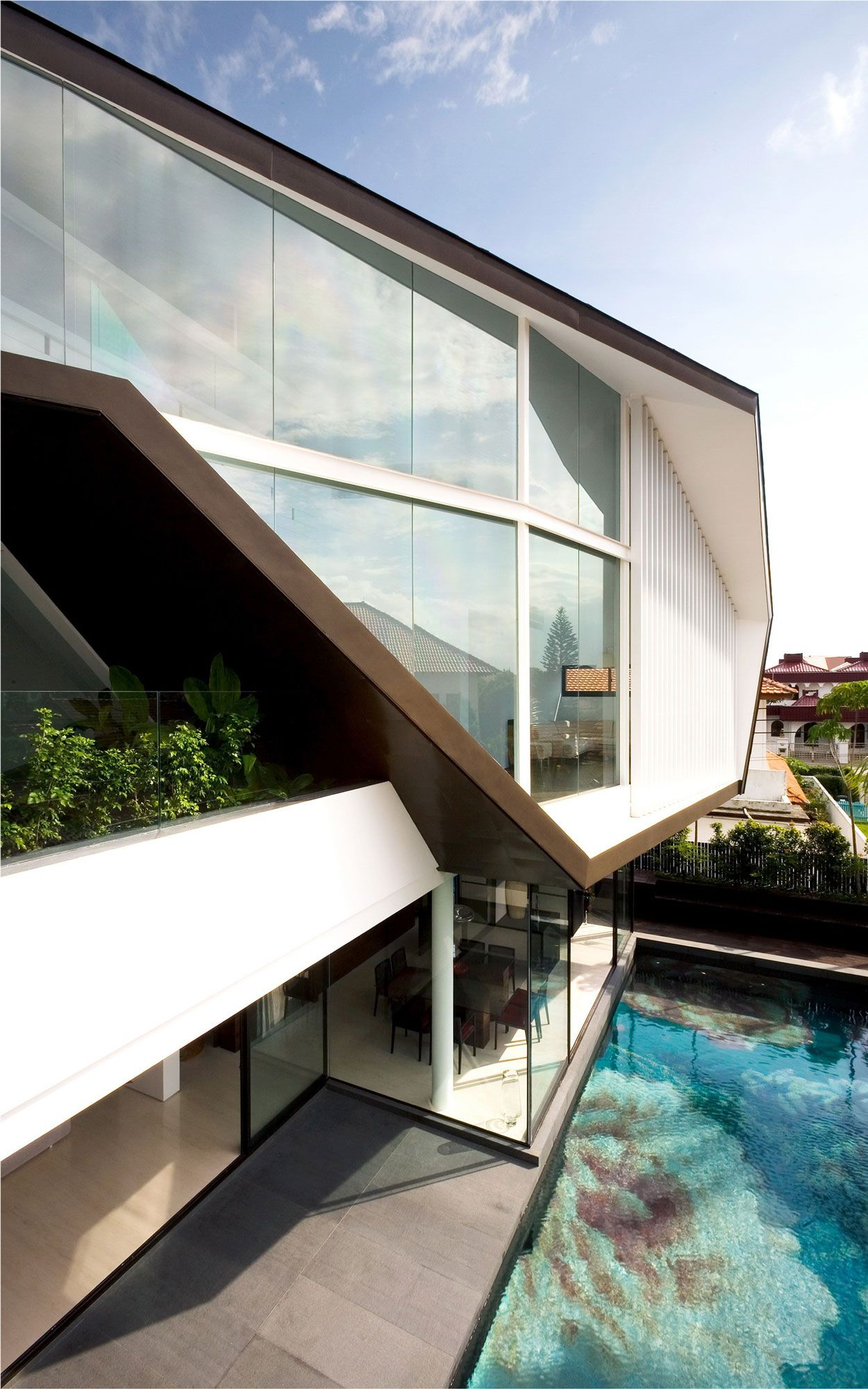 Perfect Singapore Based Studio Formwerkz Architects Has Designed The Origami House.  Completed In This Three Story Contemporary Home Is Located In Singapore. Amazing Design