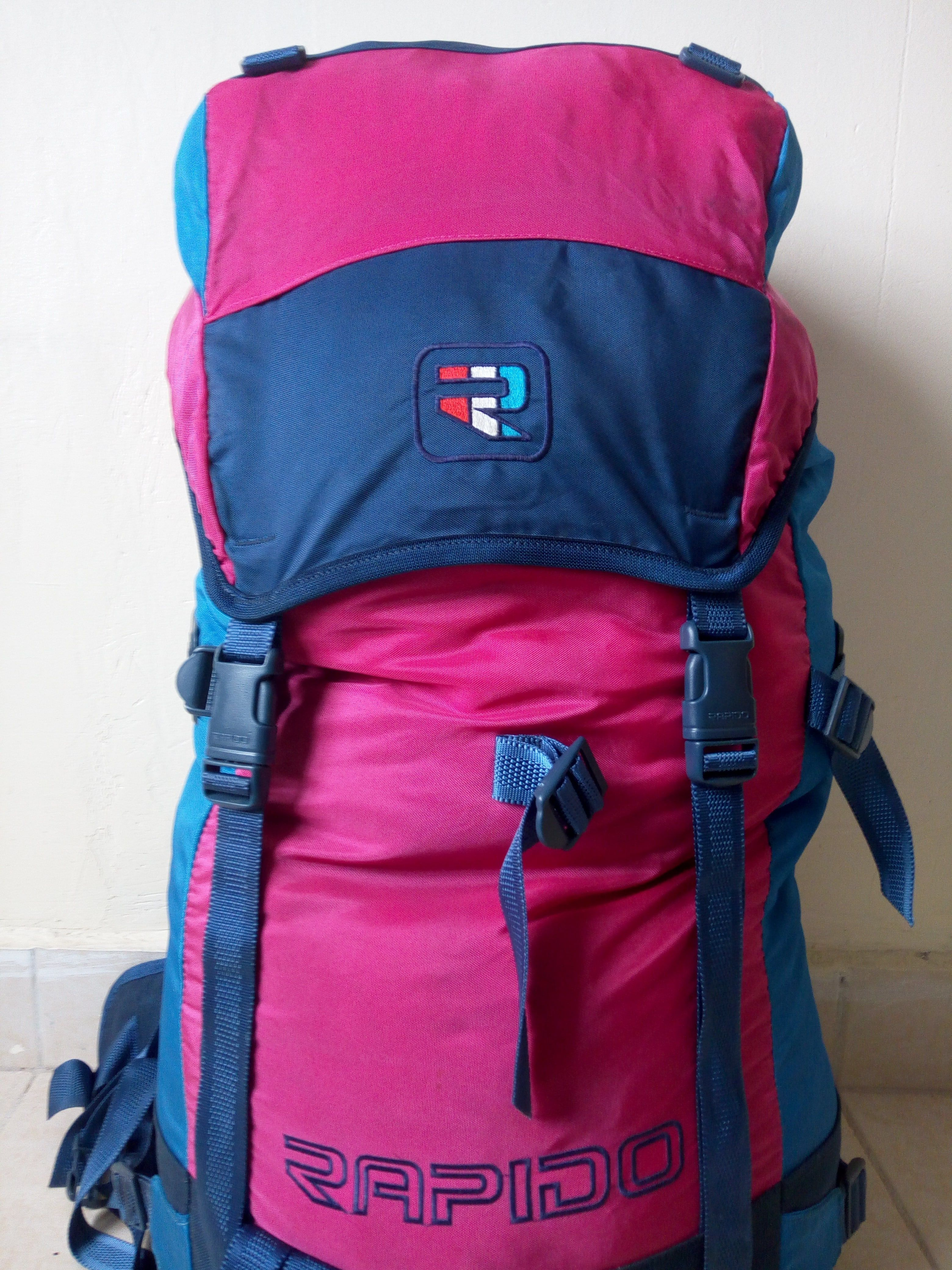 53c743d1f3 Rapido Medium sized Hiking Bag Backpack Rucksack