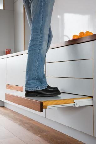 Astuce pour marche pied pour attraper objets en hauteur #kitchentips