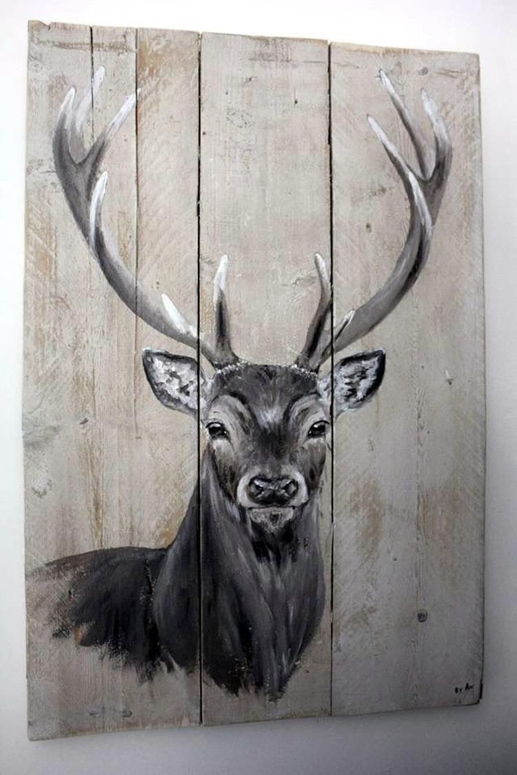 Hert op steigerhout Bekijk en like ''By AN schilderingen'' op facebook voor meer. Door byanschilderingen