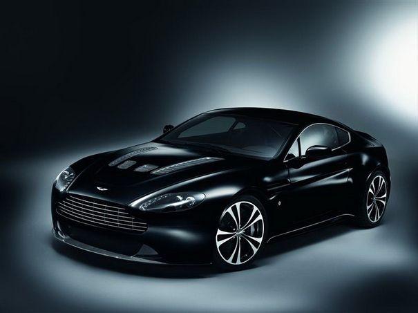 Aston Martin V Vantage Carbon Black Edition Machines - Black cool cars