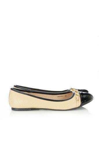 Neutral Chain Detail Shoe