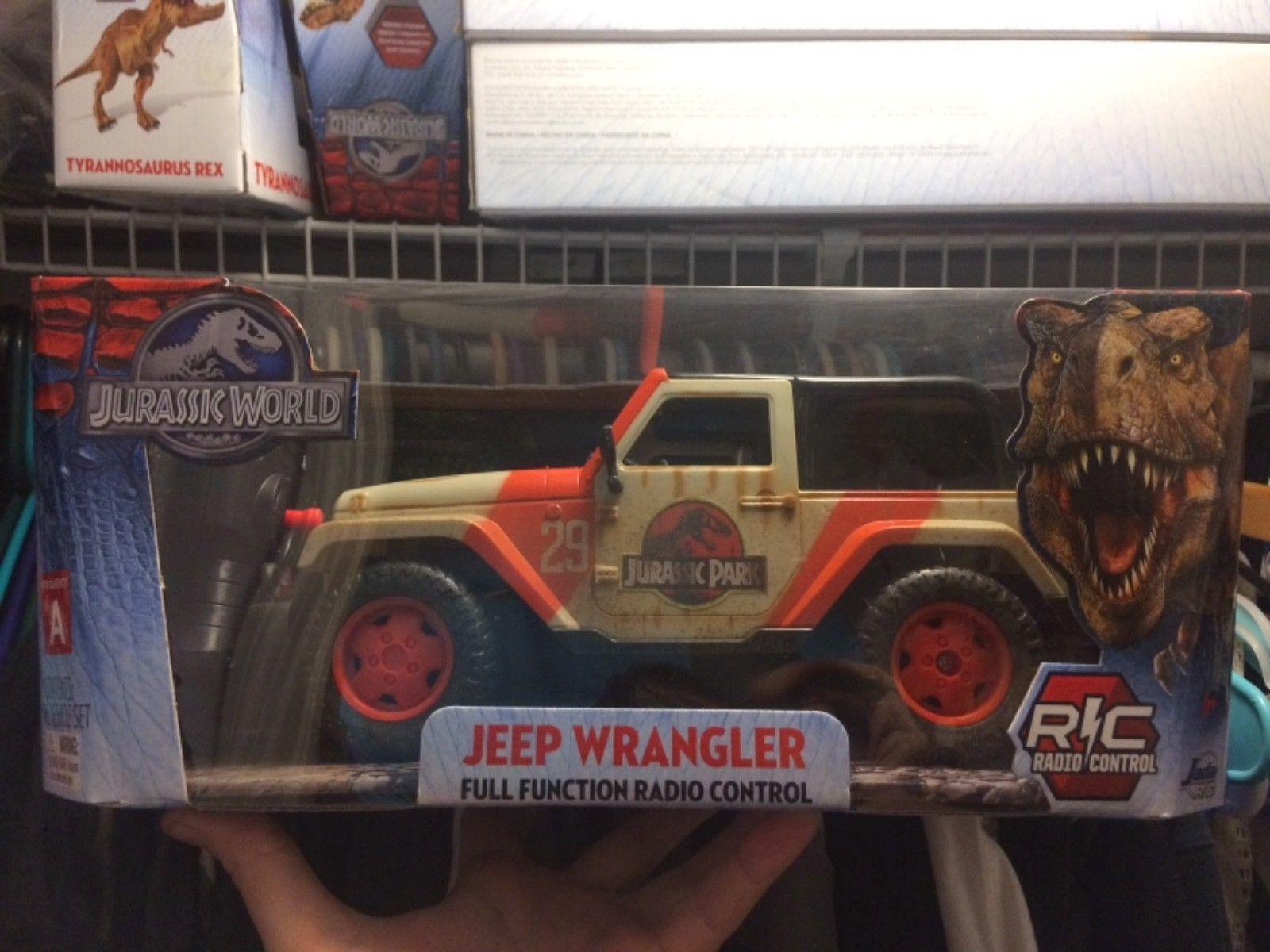 Jada car toys  Jurassic World Jeep Wrangler Remote Control Vehicle Jurassic Park