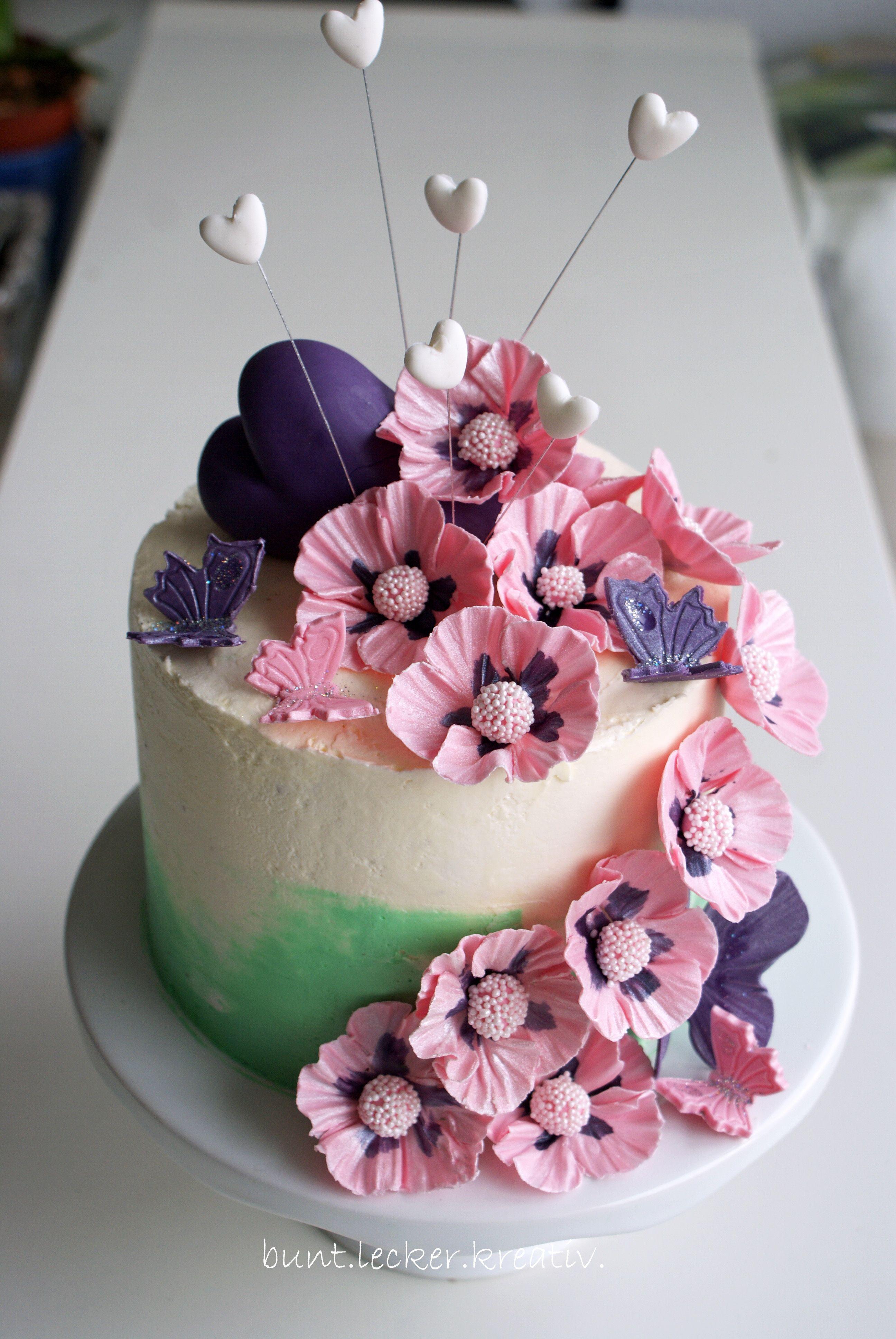 geburtstagstorte mit blumen und schmetterlingen birthday cake with flowers and butterflies. Black Bedroom Furniture Sets. Home Design Ideas