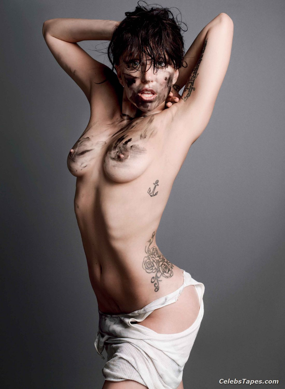 Sexy lady gaga topless
