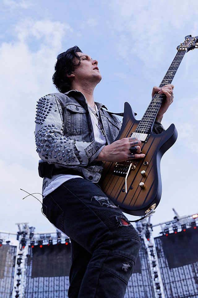 Synyster Gates Synyster Gates Avenged Sevenfold Cute Celebrities