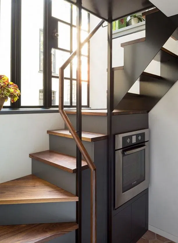 81 Space Saving Stairs Makeover Solutions For Your Home Manlikemarvinsparks Com Stairs Makeover Home Make Tiny House Stairs House Staircase Tiny House Design