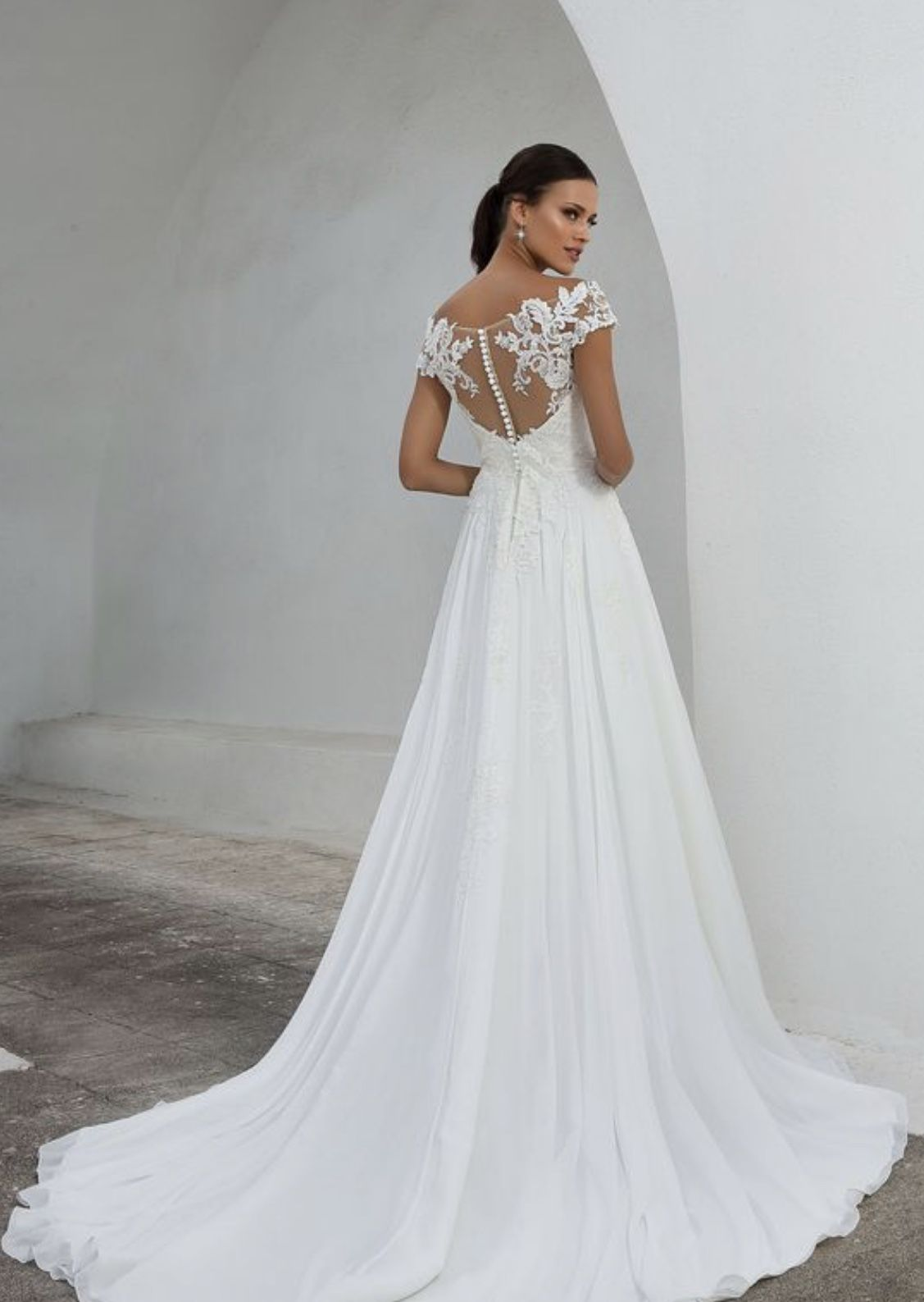 Pin By Gracyn Elizabeth Bride On Simple Silhouettes Justin Alexander Bridal Justin Alexander Wedding Dress Wedding Dress Silhouette Guide [ 1587 x 1127 Pixel ]