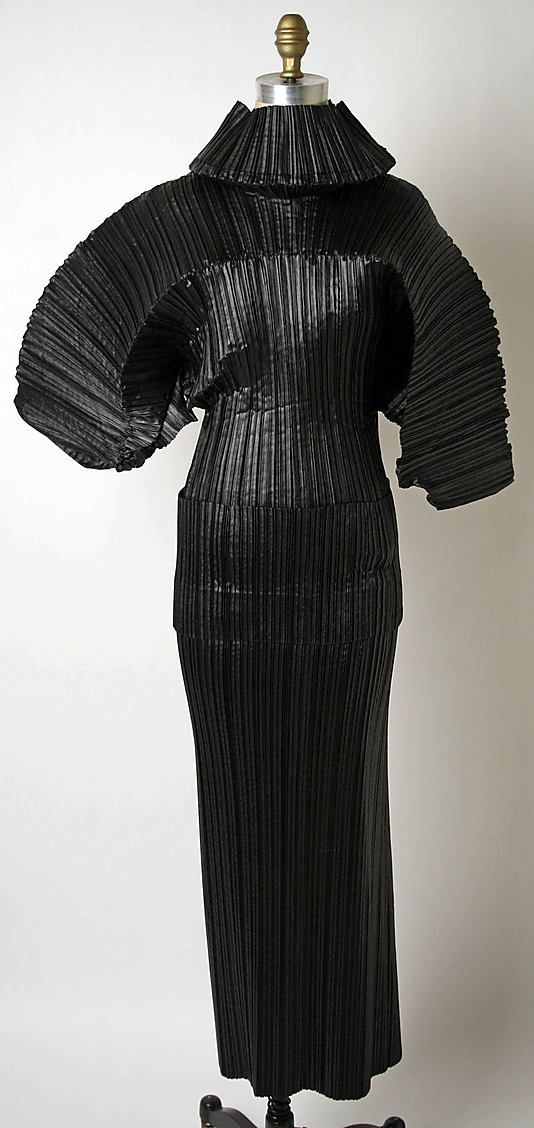 Ensemble   Issey Miyake (Japanese, born 1938)   Design House: Miyake Design Studio (Japanese)   Date: fall/winter 1989–90   Culture: Japanese