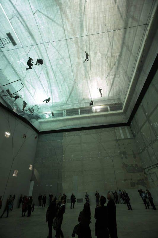 イタリアの芸術家tomas Saracenoさんが考案し現在ミラノ郊外の美術館で