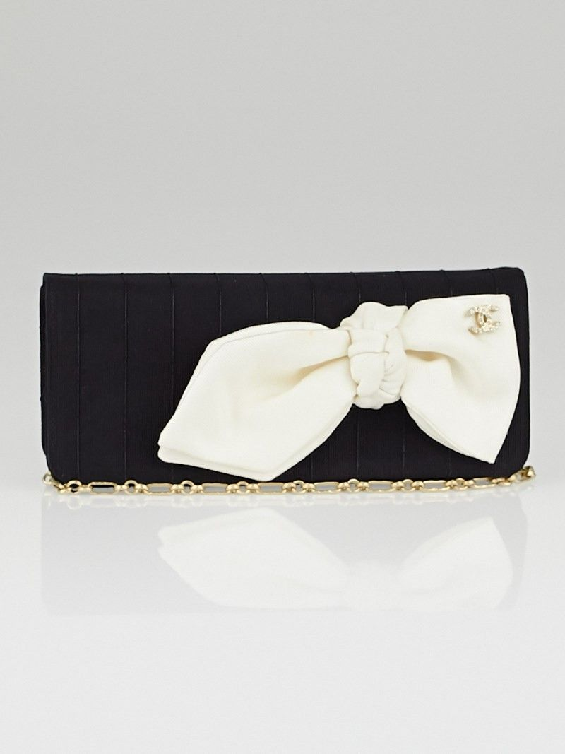 b25f309f5d7a Chanel Black/White Fabric Bow Clutch Bag | Chanel bags & shoes ...